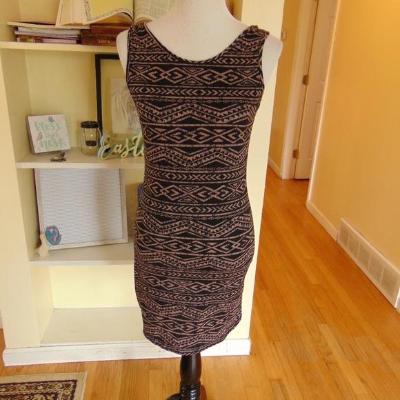 Deb Dresses & Skirts - NWT Deb's Body Con Aztec Print Dress